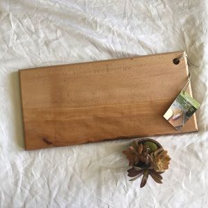 NWT cutting board long